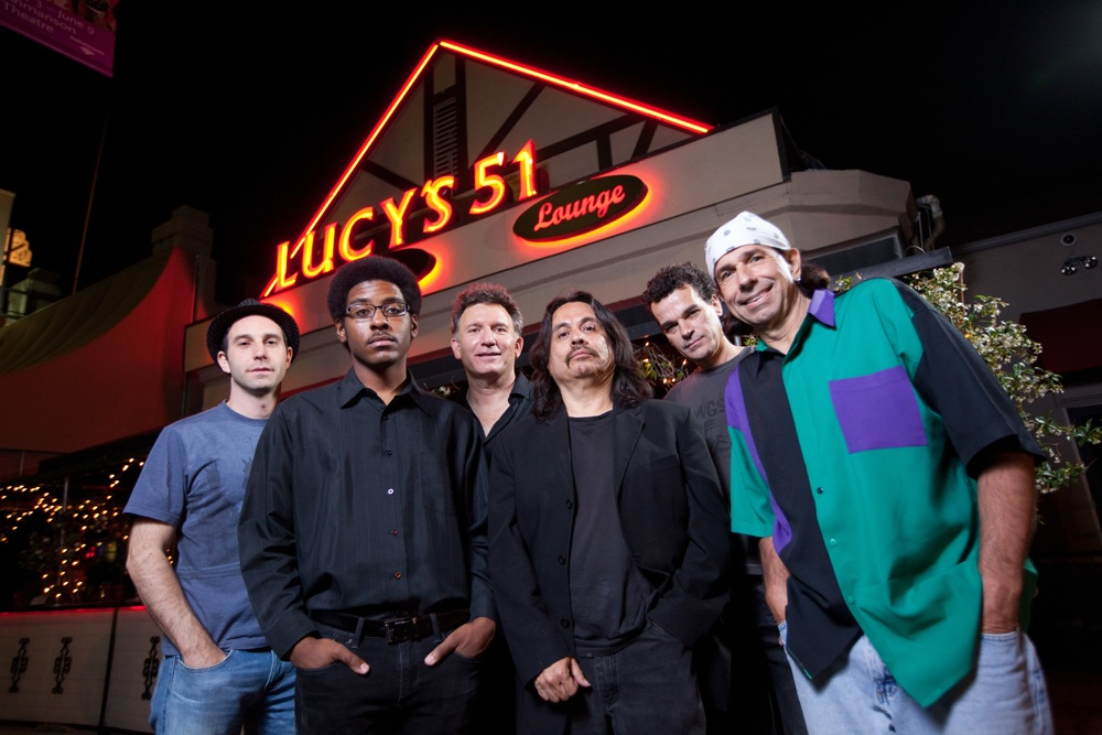 3 Lucys 51